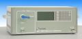Computer gestuurde systemen voor het dynamisch kalibreren van omgevingslucht- analysers.
