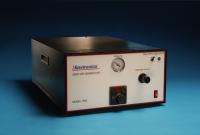 De Environics® Series 7000 Zero Air Generator is een zuivere lucht generator dat continu kan leveren tot 20 liter per minuut (LPM), 30 pounds per square inch (PSI) van droge lucht en vrij van verontreinigingen.