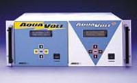 De technologie van MEECO elektrolyseert vocht met ppm of ppb. Terwijl het gas in de analysator stroomt, wordt 100% van het monstervocht geabsorbeerd door een fosforpentoxide (P2O5) film ..